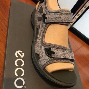 Ecco sandals size 9